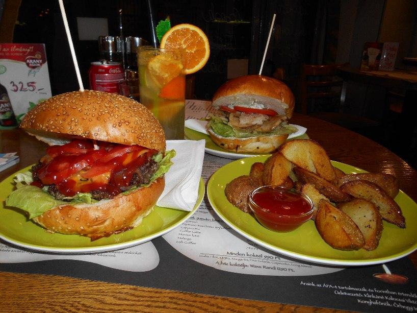 Waxx burger és Halamia hamburger