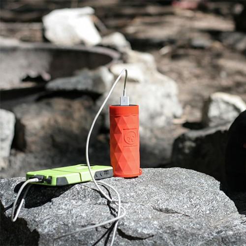 buckshot-pro-portable-speaker-charging-570x570