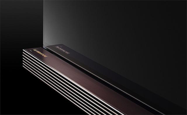 LG OLED TV (1)