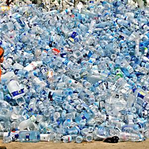 PET palack kontra vízgép